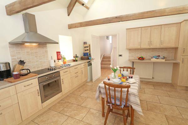 Blue Barn, Bamburgh - kitchen