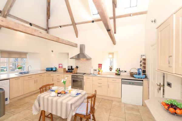 Blue Barn, Bamburgh, spacious kitchen