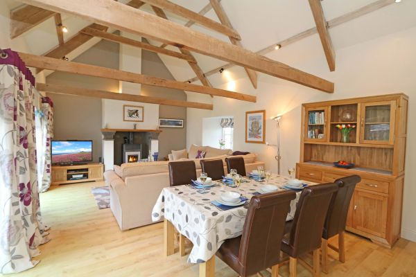 Blue Barn, Bamburgh - spacious lounge