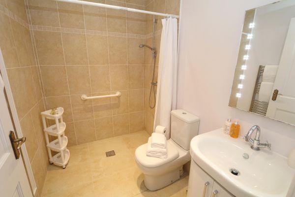 Blue Barn, Bamburgh - wet room facilities