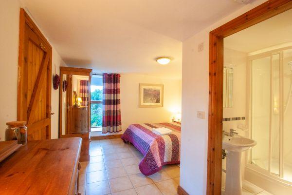 Granary bedroom with en-suite
