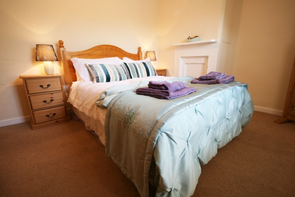 Bedroom is near Lindisfarne Castle