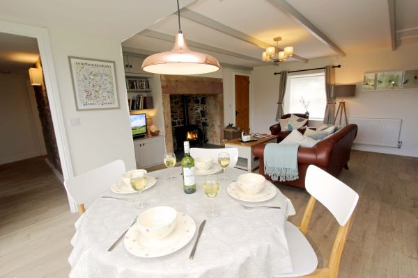 Bridge End Cottage, Rothbury, dining area and lounge