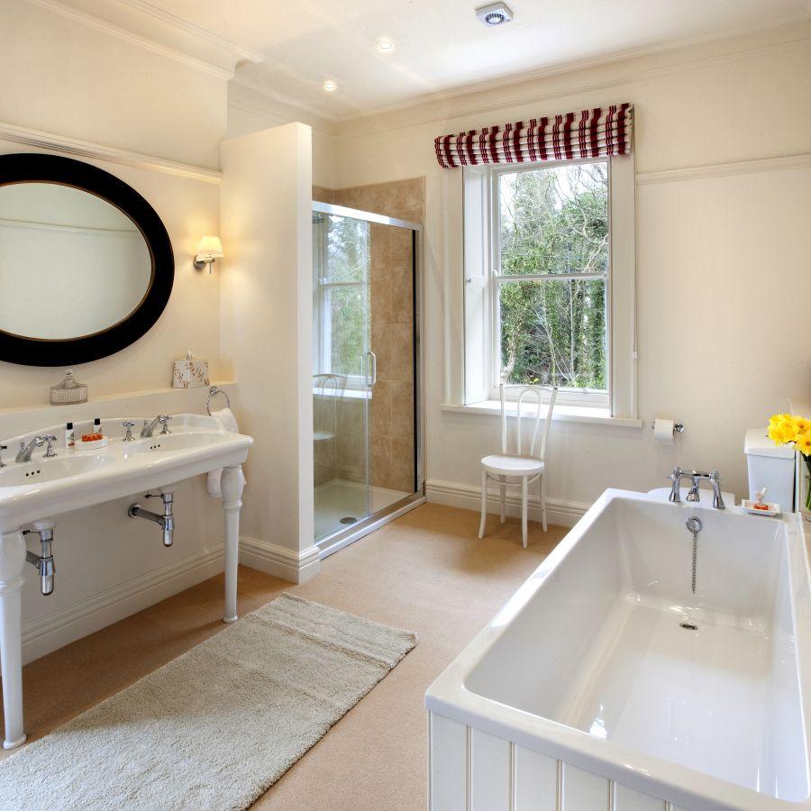 Brunton House Bathroom 1