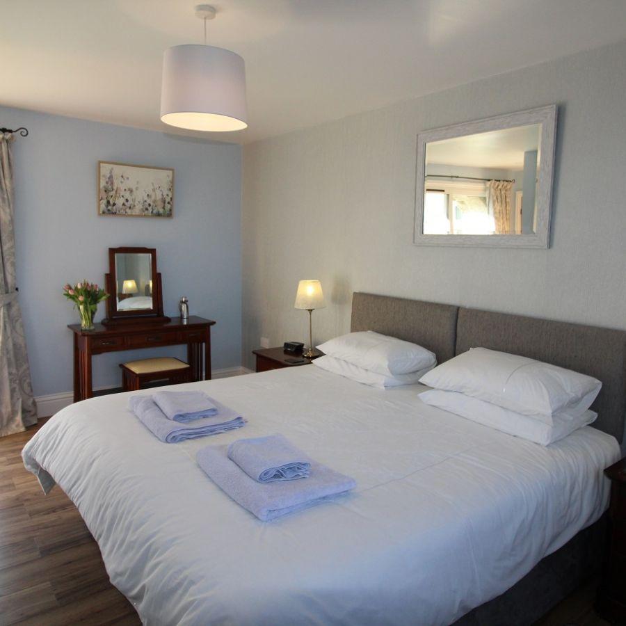 Briarhill House - Master Bedroom ensuite