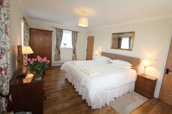 Jacobswell House Master Bedroom En Suite