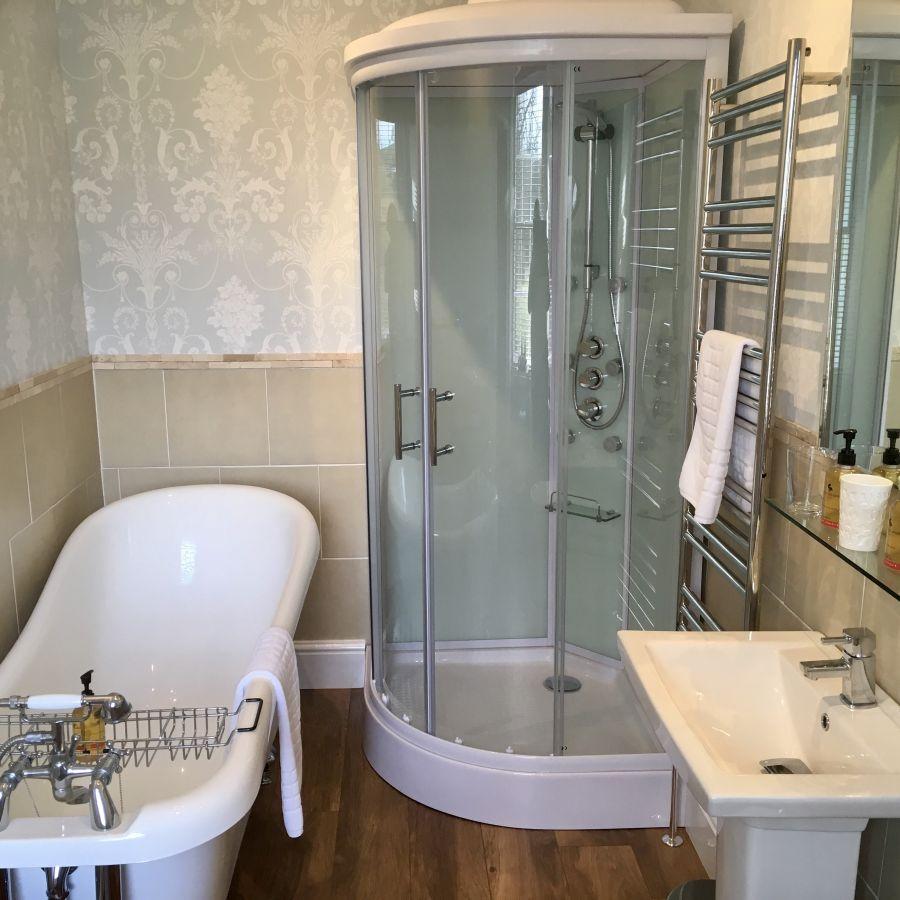 Chatton Suite bathroom