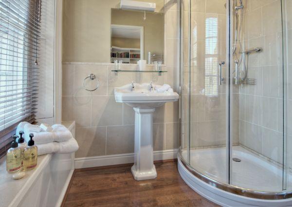 Cheviot Suite Bathroom