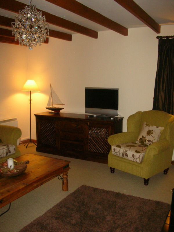 Main lounge 2
