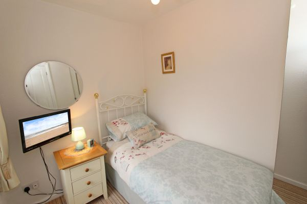Coble Cottage, single bedroom with sea views