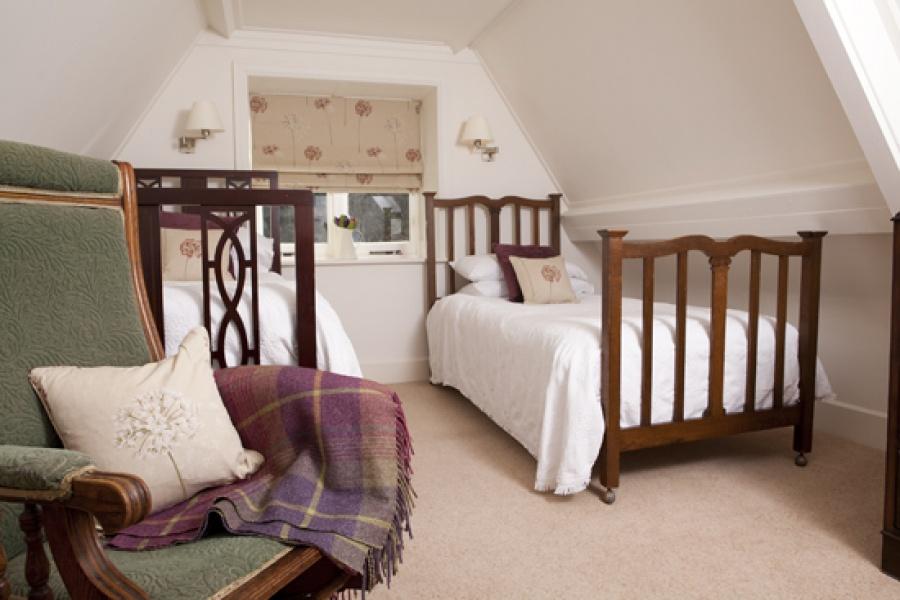 Garden Cottage twin bedroom 2