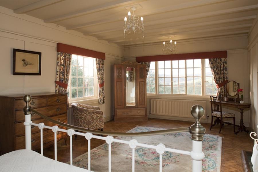 Park Cottage main bedroom
