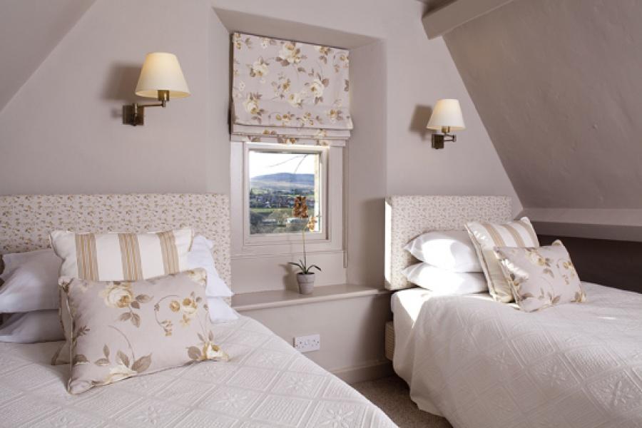 Park Cottage twin bedroom 1