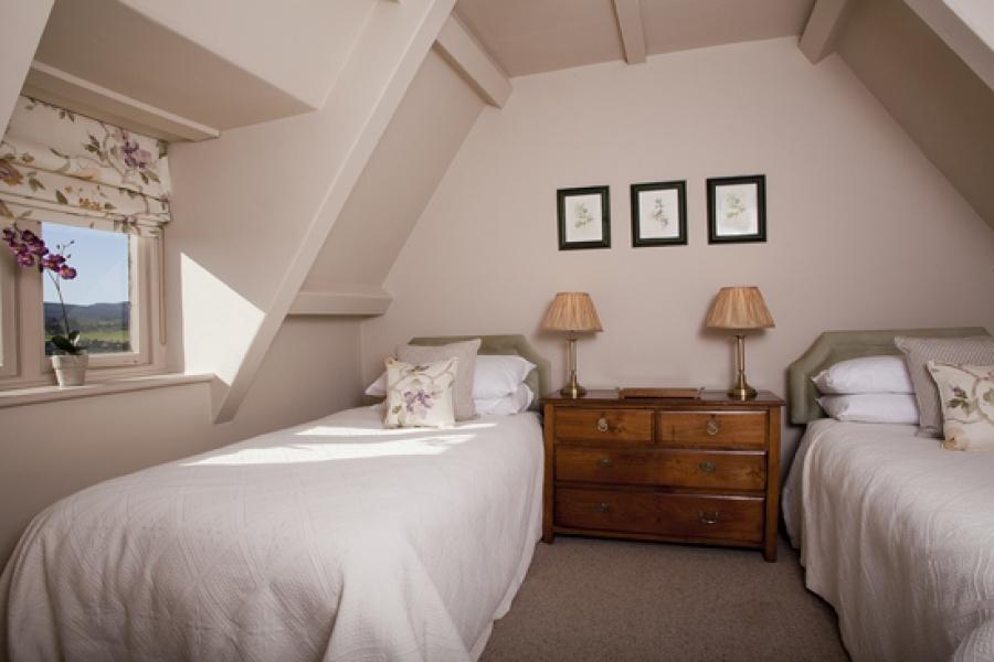 Park Cottage twin bedroom 2