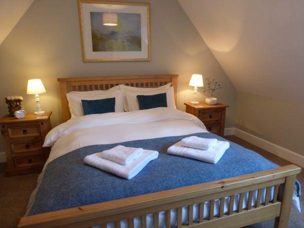 Dodds Nook - king size bed