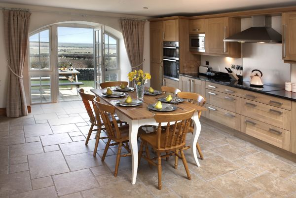 Doiphin Dream - great views from the kitchen towards Holy Island
