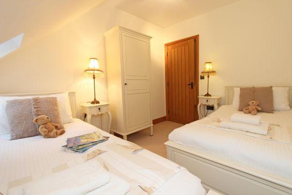 Dolphin Dream - twin bedroom
