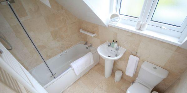 Dunford Cottage family bathroom