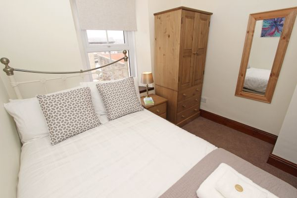 Gable Cottage, Seahouses, double bedroom with wardrobe