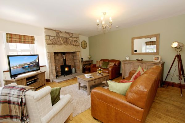Gable Cottage, Seahouses, lounge
