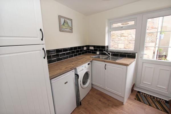 Gable Cottage, Seahouses, utility room