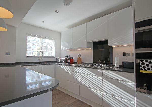 Modern, black & white kitchen