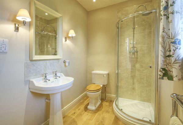 Coach House - Shower Room