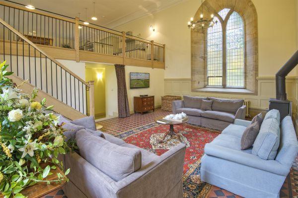 Old Church - Lounge