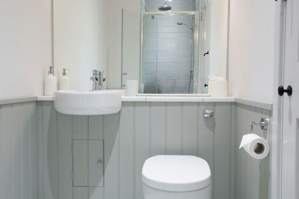Grove House, bathroom iii