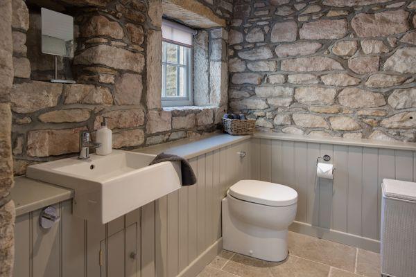 Grove House, bathroom