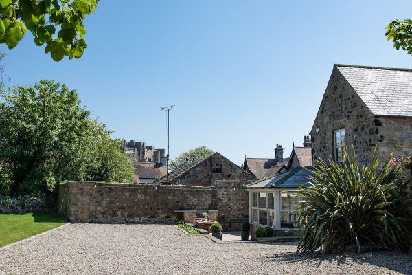Grove House, garden i