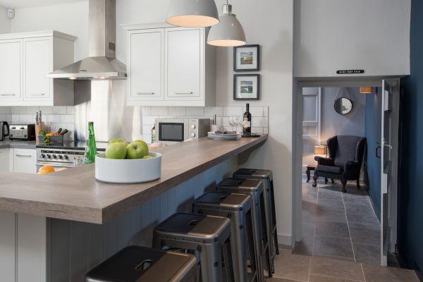 Grove House, kitchen i