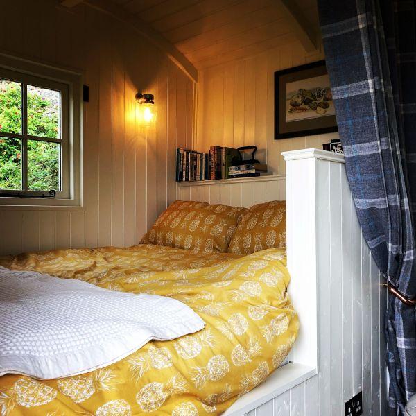 Lavender Shepherd Hut Bed