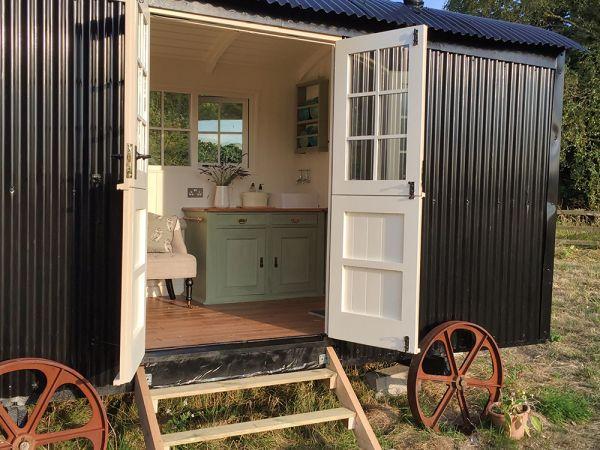 Lavender Shepherd Hut