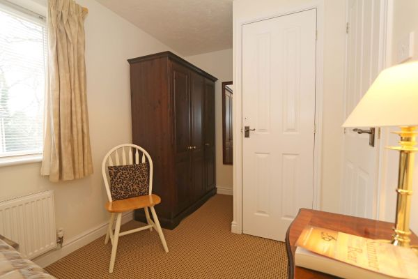 Hedgehope, Alnwick, single bedroom with double wardrobe