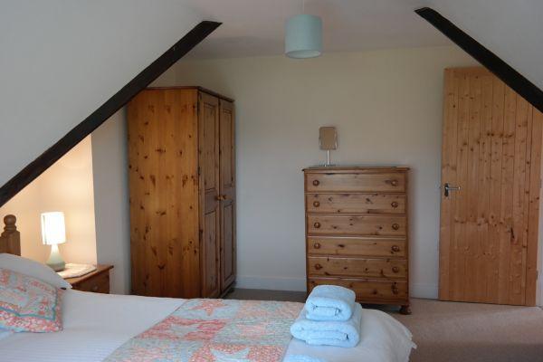 Poppy Cottage Master Bed2