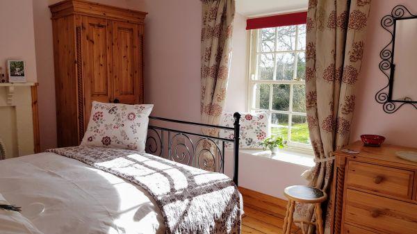 Newt Cottage Pink Bedroom