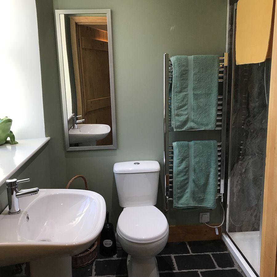 Cuckoo Cottage Bathroom