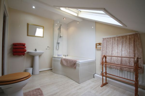 Cheviot Cottage Bathroom
