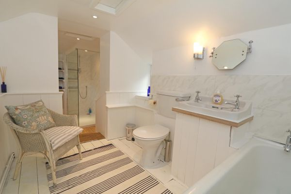 Mariners House, Alnmouth - family bathroom with shower and bath