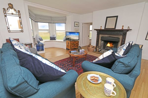 Mariners House, Alnmouth - stunning views from the open plan living area