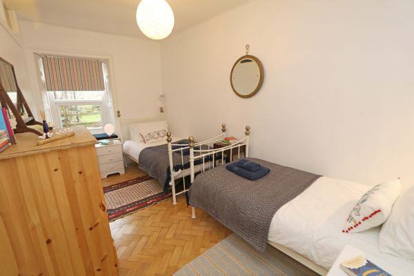 Mariners House, Alnmouth - twin bedroom