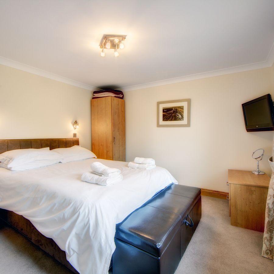 2 Cherry Tree Bedroom