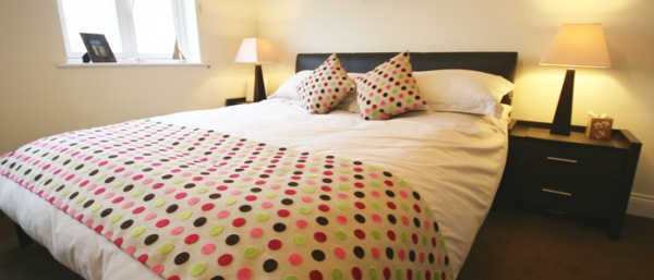 Bedroom is near The Joiners Arms