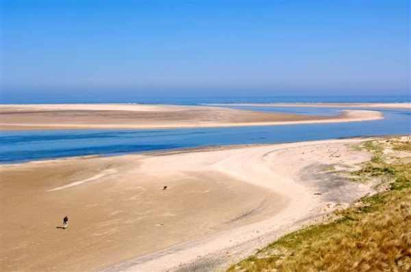 Secluded beaches is near Seahouses Hostel