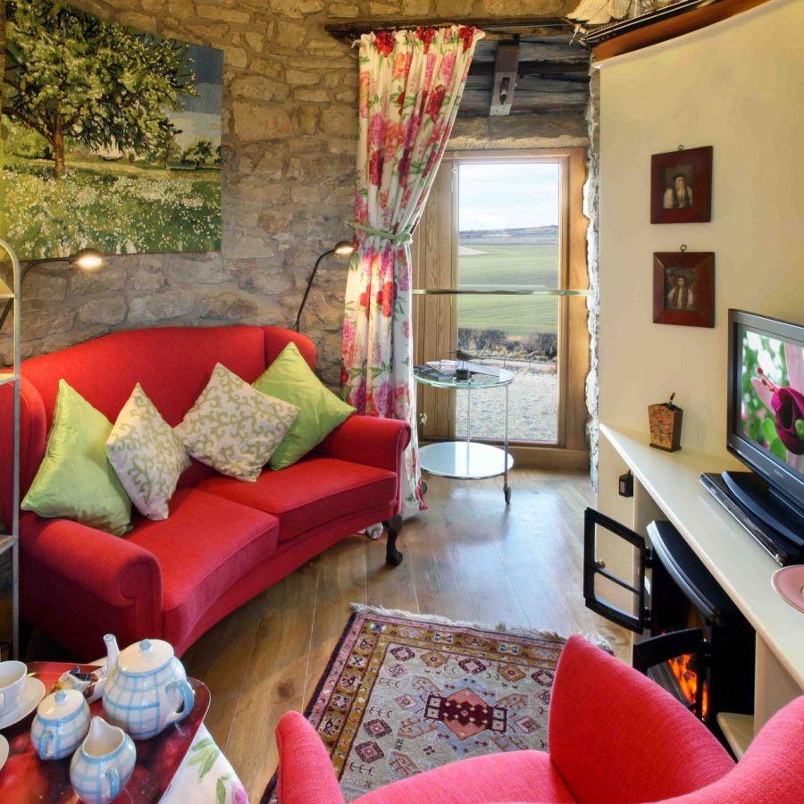 Ducket sitting room