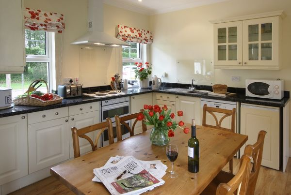 Skylark Cottage kitchen