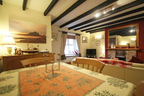 Porthole Seahouses lounge/diner