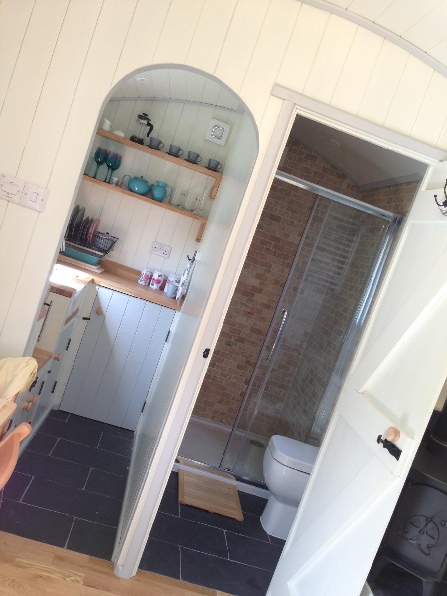 PoSHHuts Kitchen & Bathroom