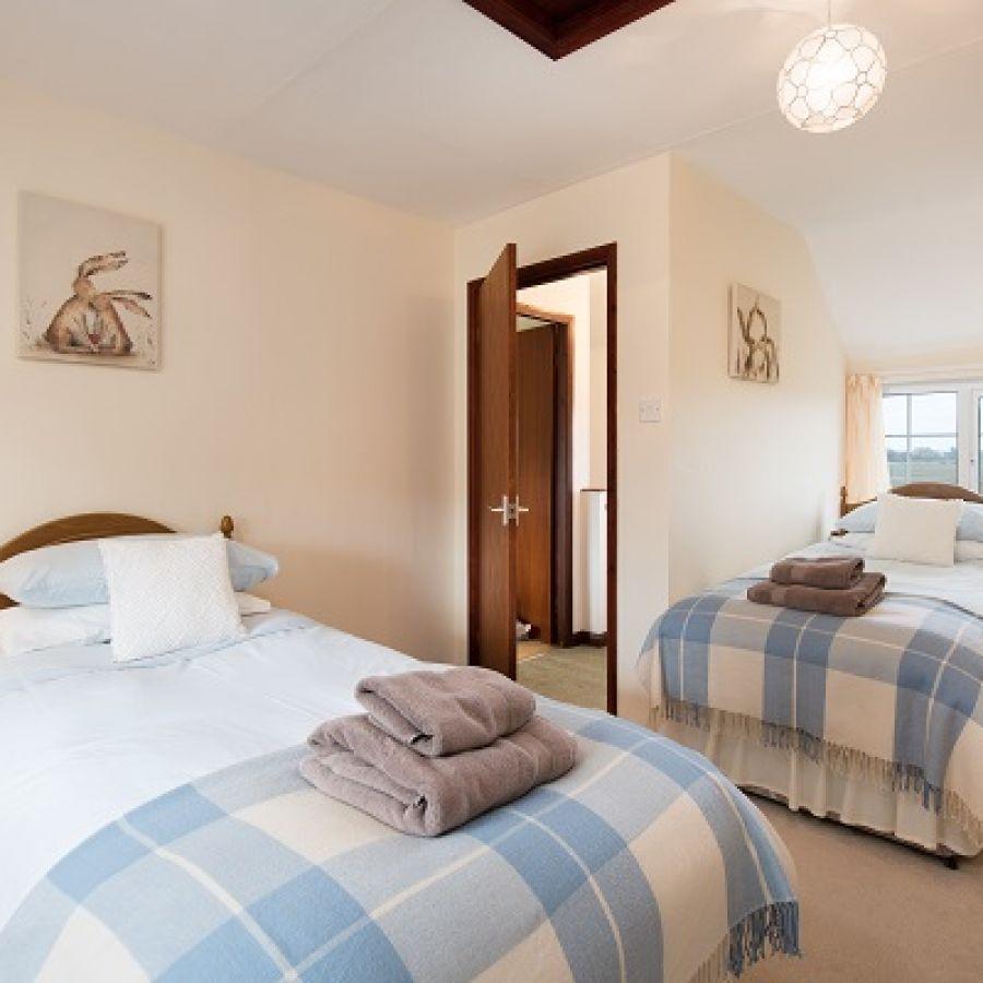 Twin bedroom - DV